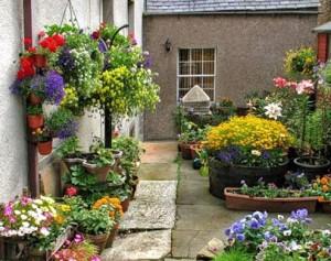 Кашпо для цветов на улицу своими руками