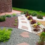 Декоративная отсыпка для садового участка