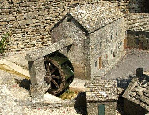 Устройство водяной мельницы в