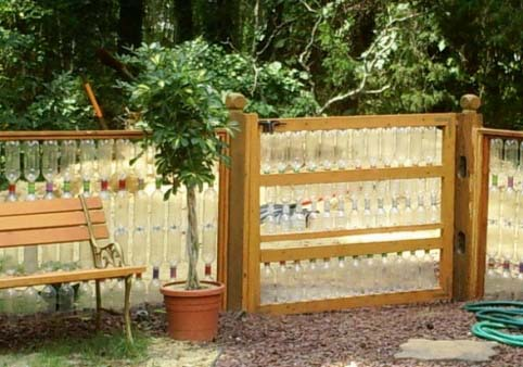 Ограда своими руками из подручных материалов