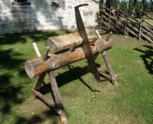 Как сделать козёл для распилки дров своими руками 338