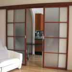 Межкомнатные раздвижные двери: разновидности и особенности установки