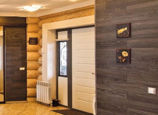 Ламинат на стене в коридоре в интерьере фото