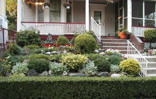 Палисадник перед домом - фото вариантов дизайна, оформление своими руками