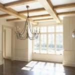 Декоративные балки на потолке и их варианты дизайна в интерьере