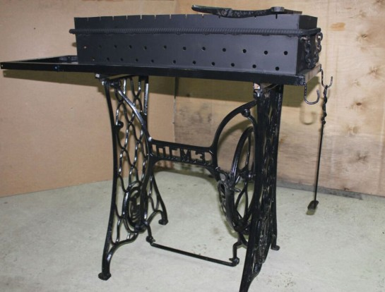 Мангал с чугунной станиной от швейной машинки
