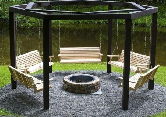 Столбы беседки в грунте и скамейки на цепочках – недорого и оригинально