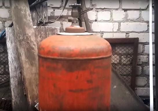 Фото № 1 Старый баллон из под газа – основа пиролизной печи