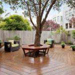 Идеи обустройства вокруг дерева: клумба, скамейка, стол и даже беседка!