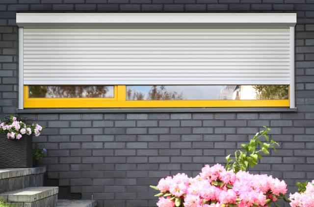 7 шагов к комфорту — изучаем тонкости выбора роллетной системы для загородного дома