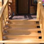 Как построить деревянное крыльцо к дому? Варианты устройства и дизайна
