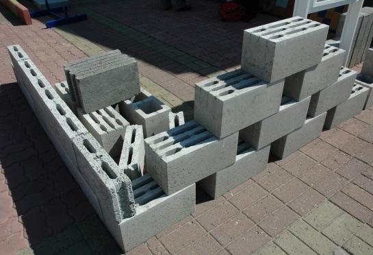 Цена одного блока из керамзитобетона купить в москве цветной цемент